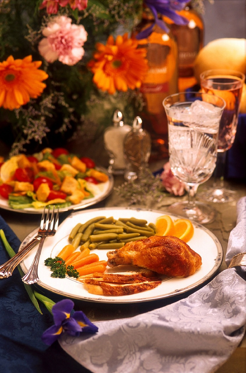 How to host a stress-free holiday with our thanksgiving dinner checklist